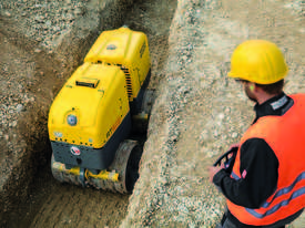 Remote controlled trench roller - picture5' - Click to enlarge