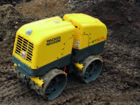 Remote controlled trench roller - picture6' - Click to enlarge