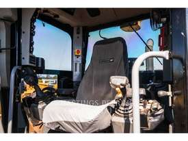 CATERPILLAR 140M Motor Graders - picture8' - Click to enlarge