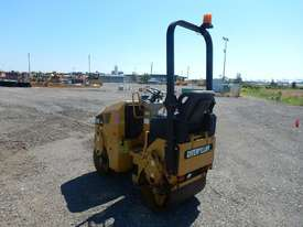 2009 CAT CB14 Double Drum Vibrating Roller - picture1' - Click to enlarge