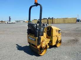 2009 CAT CB14 Double Drum Vibrating Roller - picture2' - Click to enlarge