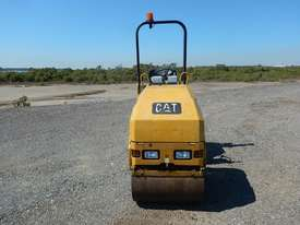 2009 CAT CB14 Double Drum Vibrating Roller - picture4' - Click to enlarge