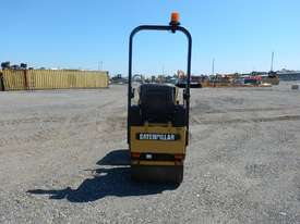 2009 CAT CB14 Double Drum Vibrating Roller - picture5' - Click to enlarge