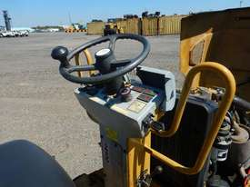 2009 CAT CB14 Double Drum Vibrating Roller - picture11' - Click to enlarge