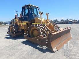 CATERPILLAR 825G Compactor - picture1' - Click to enlarge