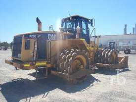 CATERPILLAR 825G Compactor - picture3' - Click to enlarge