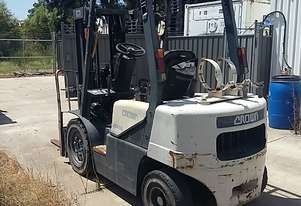 FORKLIFT FOR SALE CROWN CG25E LPF/PETROL