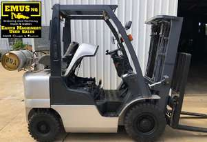 Nissan 2.5ton Forklift, 3 stage mast, weight gauge. EMUS MS466A
