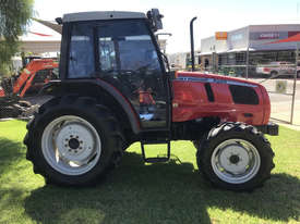 Massey Ferguson 2220 FWA/4WD Tractor - picture2' - Click to enlarge