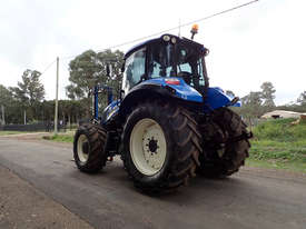 New Holland T5.115  FWA/4WD Tractor - picture2' - Click to enlarge