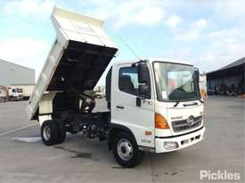 2010 Hino FC500 1018 - picture0' - Click to enlarge
