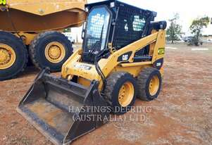 CATERPILLAR 226B3 Skid Steer Loaders