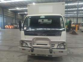 Isuzu NPR200M - picture0' - Click to enlarge