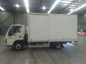 Isuzu NPR200M - picture2' - Click to enlarge