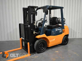 Toyota 7FG25 2.5 Tonne Forklift LPG Container Mast Sideshift Solid Tyres Low Hours - picture0' - Click to enlarge