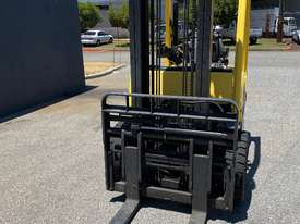 Hyster H2.50FT Diesel Forklift  - picture2' - Click to enlarge