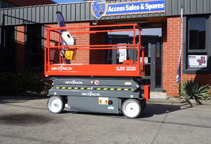SKYJACK SJIII-3220 ELECTRIC SCISSOR LIFT