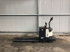 Crown PE4000 Pallet Jack Jack/Lifting - picture1' - Click to enlarge