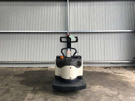 Crown PE4000 Pallet Jack Jack/Lifting - picture2' - Click to enlarge