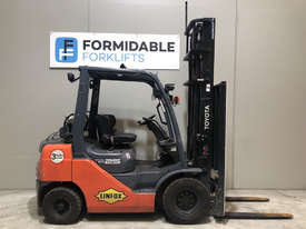 Toyota 32-8FG25 LPG / Petrol Counterbalance Forklift - picture0' - Click to enlarge
