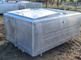 STAINLESS STEEL TANK, MILK VAT 1850 LT - picture2' - Click to enlarge