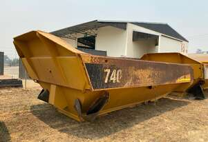 2010 Caterpillar 740 Dump Body and Cylinders