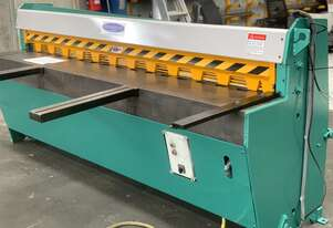 2500mm x 3.2mm Hydraulic Guillotine Ready To Go - Volt