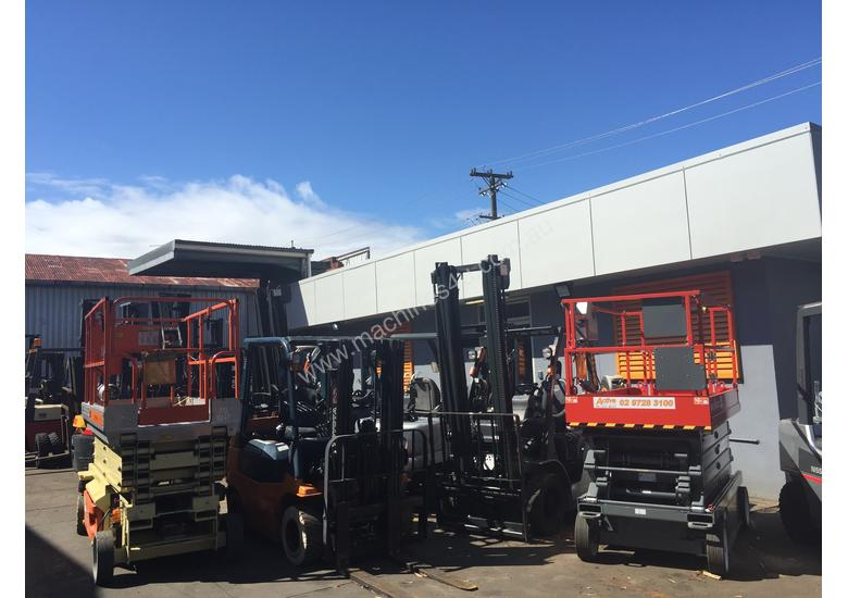 Varying Brands Forklifts Hire Starting $100/pw