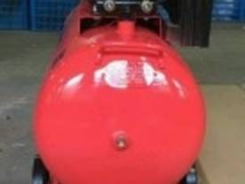 NEW AIR COMPRESSOR 5.5Hp (4Kw) 150 Ltr Tank *ON SALE* - picture2' - Click to enlarge