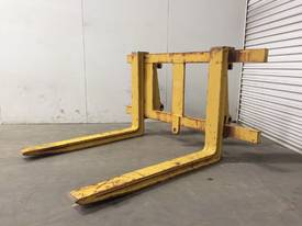 LOADER/TELEHANDLER PALLET FORKS IN EXCELLENT CONDITION D718 - picture3' - Click to enlarge