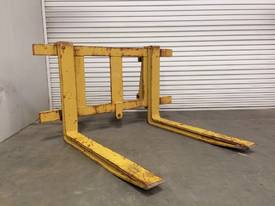 LOADER/TELEHANDLER PALLET FORKS IN EXCELLENT CONDITION D718 - picture0' - Click to enlarge