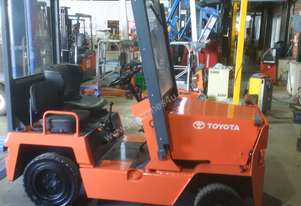 TOW TUG TOYOTA TOW TRACTOR 2TG10