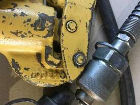 Enerpac Hydraulic P80 Hand Pump Two Speed Steel Body - picture8' - Click to enlarge