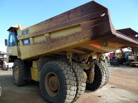 1996 Caterpillar 769D Dump Truck *CONDITIONS APPLY* - picture3' - Click to enlarge