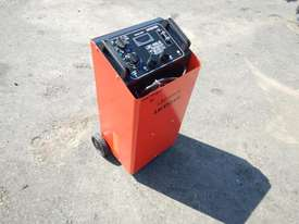 Leicester LBC-900J Battery Charger / Jump Start - picture1' - Click to enlarge