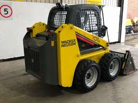 WACKER NEUSON 701s SKID STEER - picture2' - Click to enlarge