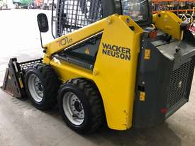 WACKER NEUSON 701s SKID STEER - picture3' - Click to enlarge