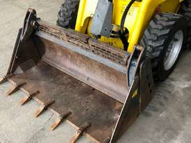WACKER NEUSON 701s SKID STEER - picture4' - Click to enlarge