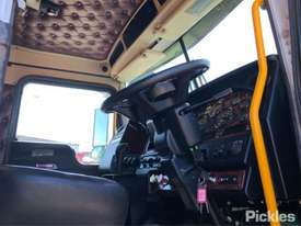 2014 Kenworth T909 - picture10' - Click to enlarge