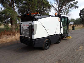MacDonald Johnston CN200 Sweeper Sweeping/Cleaning - picture4' - Click to enlarge