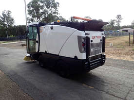MacDonald Johnston CN200 Sweeper Sweeping/Cleaning - picture5' - Click to enlarge