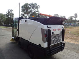 MacDonald Johnston CN200 Sweeper Sweeping/Cleaning - picture15' - Click to enlarge