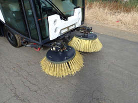 MacDonald Johnston CN200 Sweeper Sweeping/Cleaning - picture16' - Click to enlarge