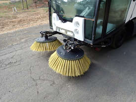MacDonald Johnston CN200 Sweeper Sweeping/Cleaning - picture19' - Click to enlarge