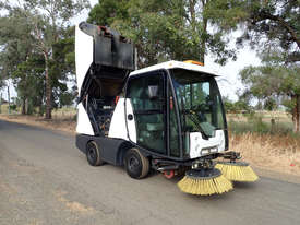MacDonald Johnston CN200 Sweeper Sweeping/Cleaning - picture20' - Click to enlarge