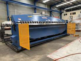 New eBend 2 Axis NC Programmable Panbrake Folder is Here - picture2' - Click to enlarge