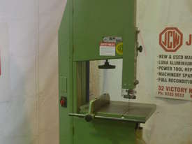 Italian Woodworking bandsaw 240V - picture0' - Click to enlarge
