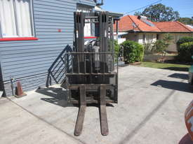 2.5 ton Crown Container Mast Used Forklift - picture1' - Click to enlarge