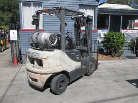 2.5 ton Crown Container Mast Used Forklift - picture2' - Click to enlarge