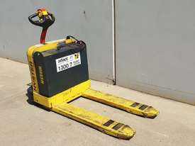 1.8T Battery Electric Pallet Truck - picture1' - Click to enlarge